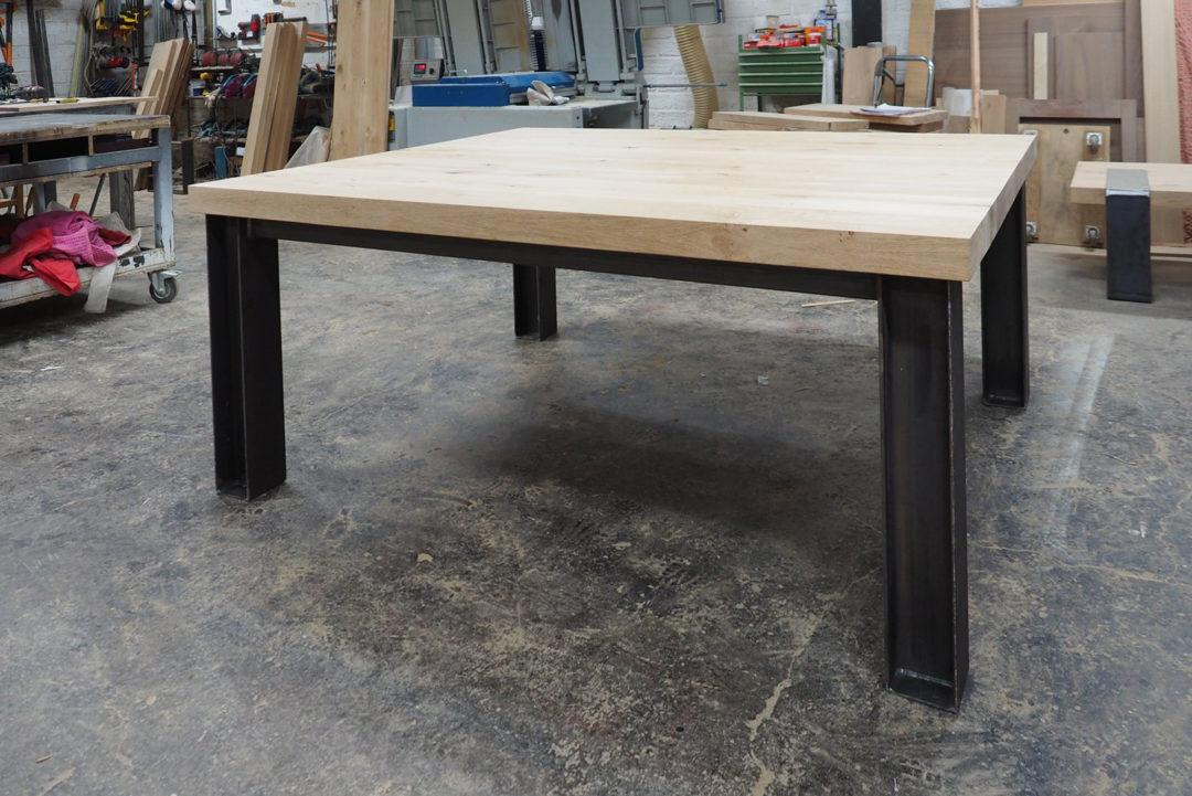 hout en staal tafel